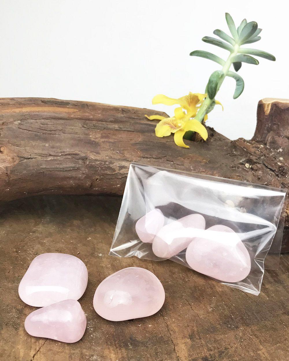 QUARTZO ROSA ROLADO - Pacote com 3 pedras - Total 45 a 55g