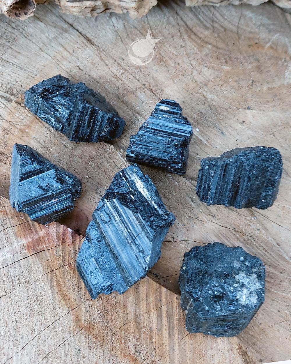 TURMALINA PRETA BRUTA COMUM - UNIDADE - 3 a 4 cm (40 a 50g)
