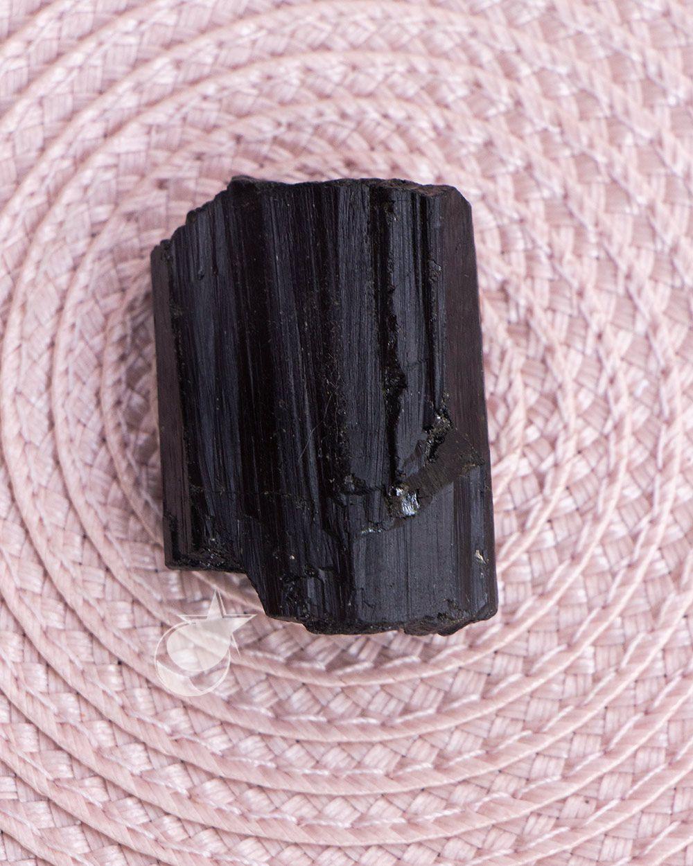 TURMALINA PRETA BRUTA COMUM - UNIDADE - 2 a 3 cm - (12 a 19g)