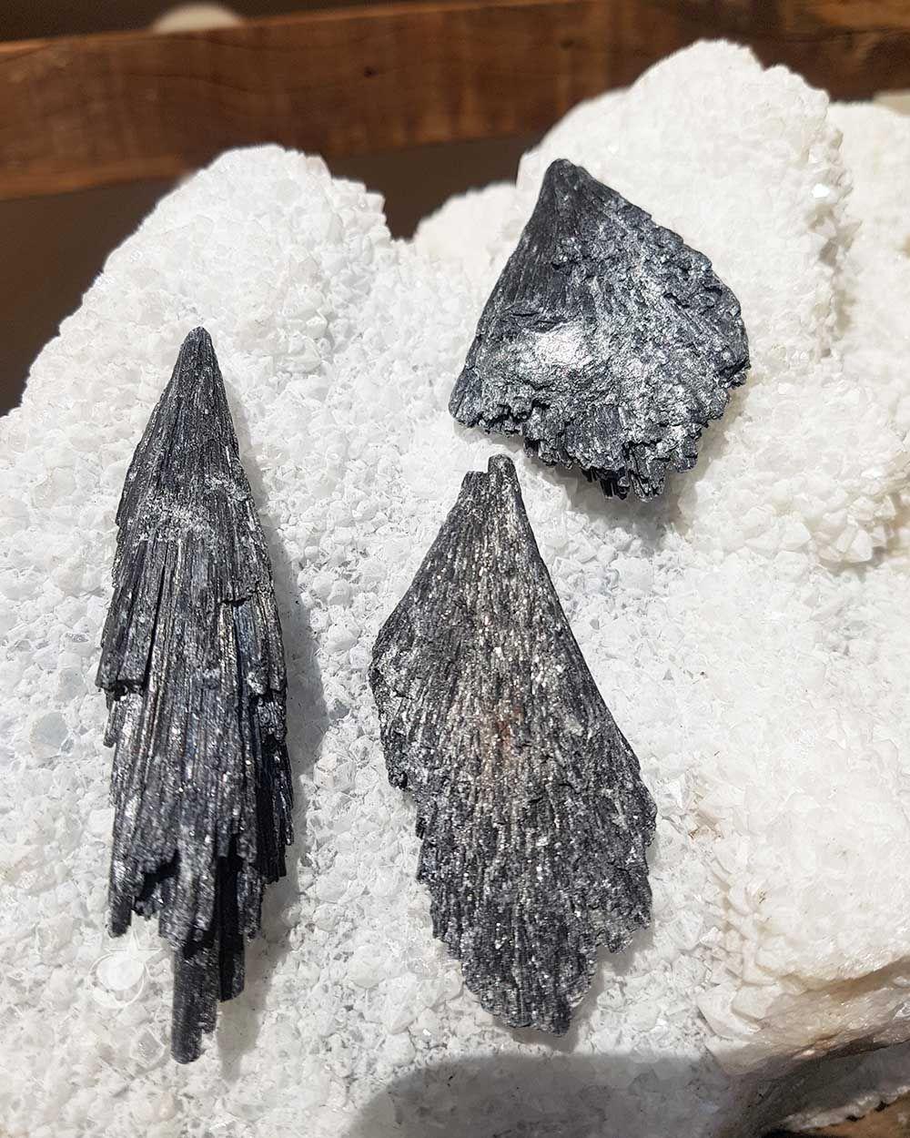 VASSOURA DA BRUXA - UNIDADE - média 5,5 a 7,5 cm (24 a 35g)