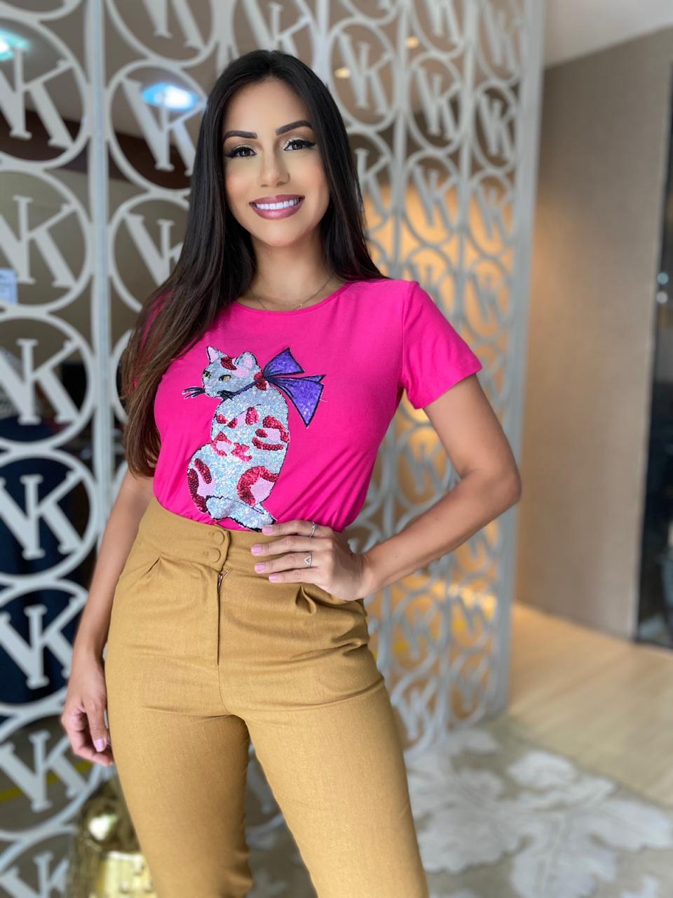 Blusa T-Shirt Gola Canoa com Máscara Gatinha Pink