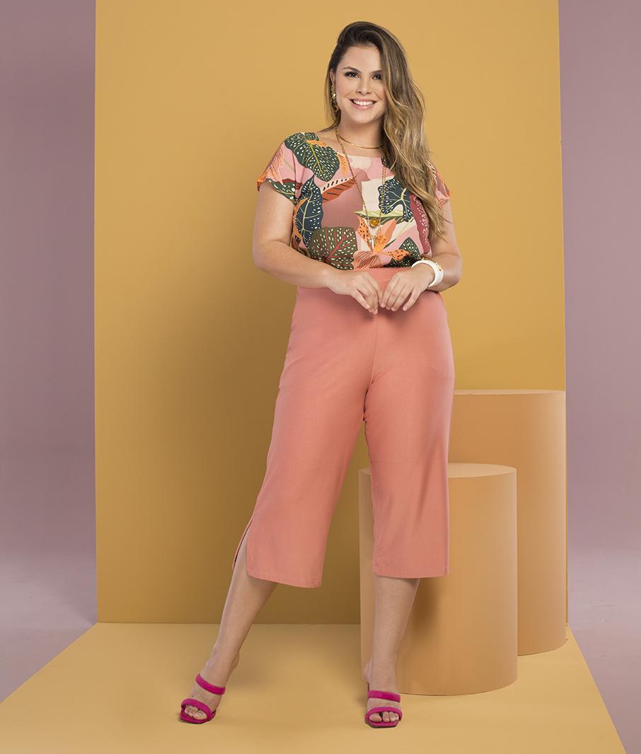 Blusa Estampada Plus Size Folhas