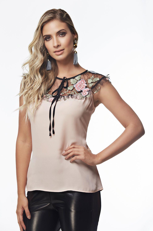 7219d8424f03 Blusa com Detalhe Tule Bordado - VANKOKE - Moda Feminina - Vestidos ...