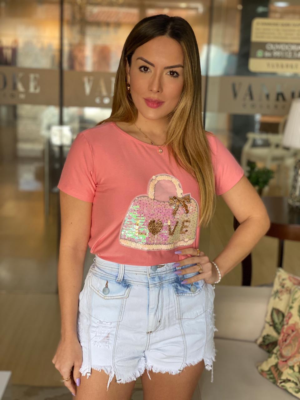 Blusa T-Shirt Gola Canoa com Máscara Bolsa Rosa e Verde Mint