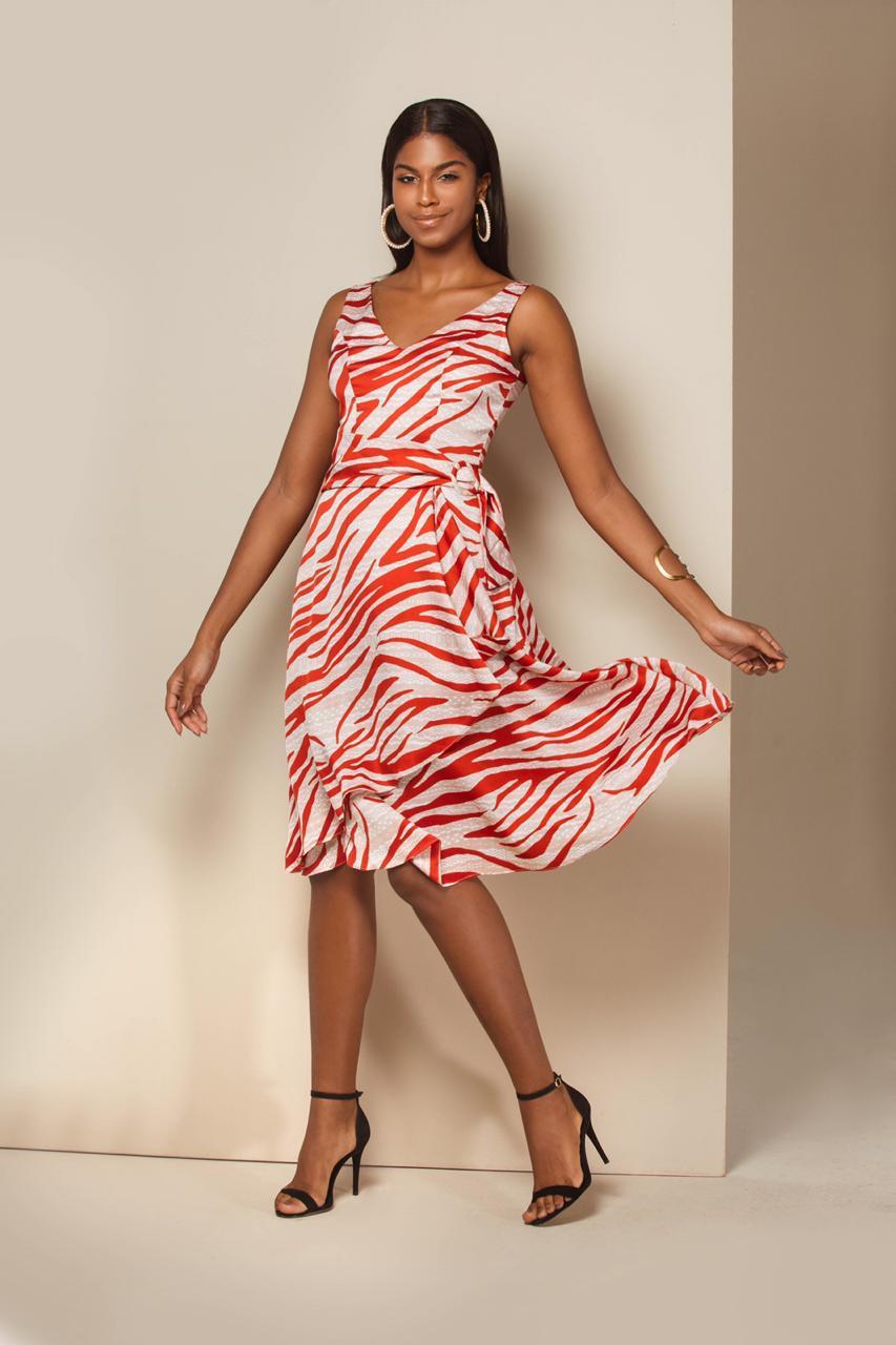 00bab8a494 Vestido Chanel Cetim Estampa Geométrica - VANKOKE - Moda Feminina ...