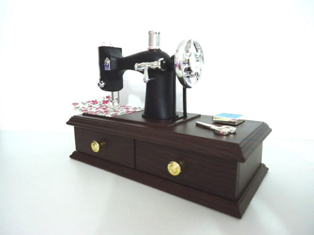 Caixinha Musical Máquina de costura