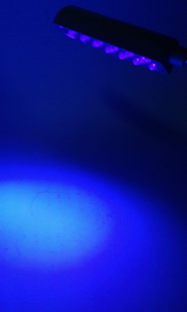 Luminária NEON para inspeção em Tecidos com 20 Leds, Haste flexível e fixação com imã - Bivolt