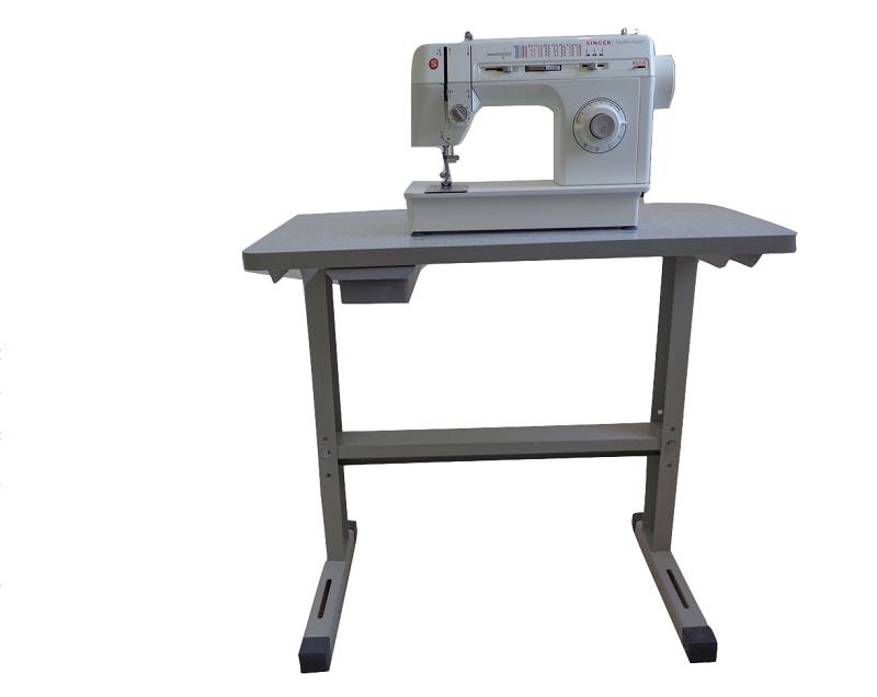 Mesa / Bancada para Máquinas de Costura e Bordado, com espaço livre para as pernas