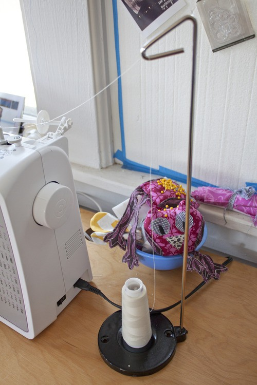 Porta fio para máquinas domésticas