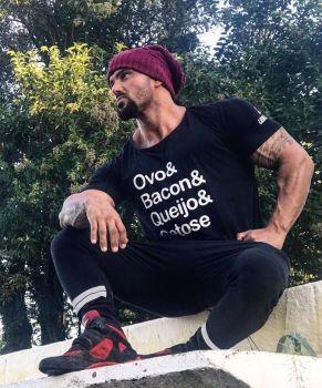 Camiseta Long Bacon Masculina