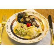 Patinho ao Molho de Champignon, Arroz com Brócolis e Couve Flor no Vapor