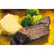 Carne Assada ao Molho Especial, Brócolis no Vapor e Purê de Batata Doce