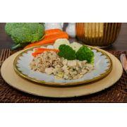 Estrogonofe de frango, arroz 7 grão, mix de legumes
