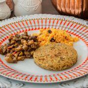 Hambúrguer Vegano, Cuscuz de Cenoura com uva passas, Escabeche de BerinJela