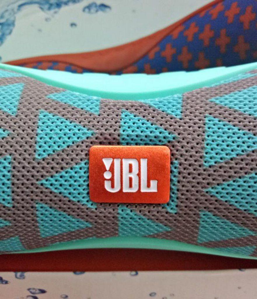 Caixa de som Bluetooth JBL SLC-053
