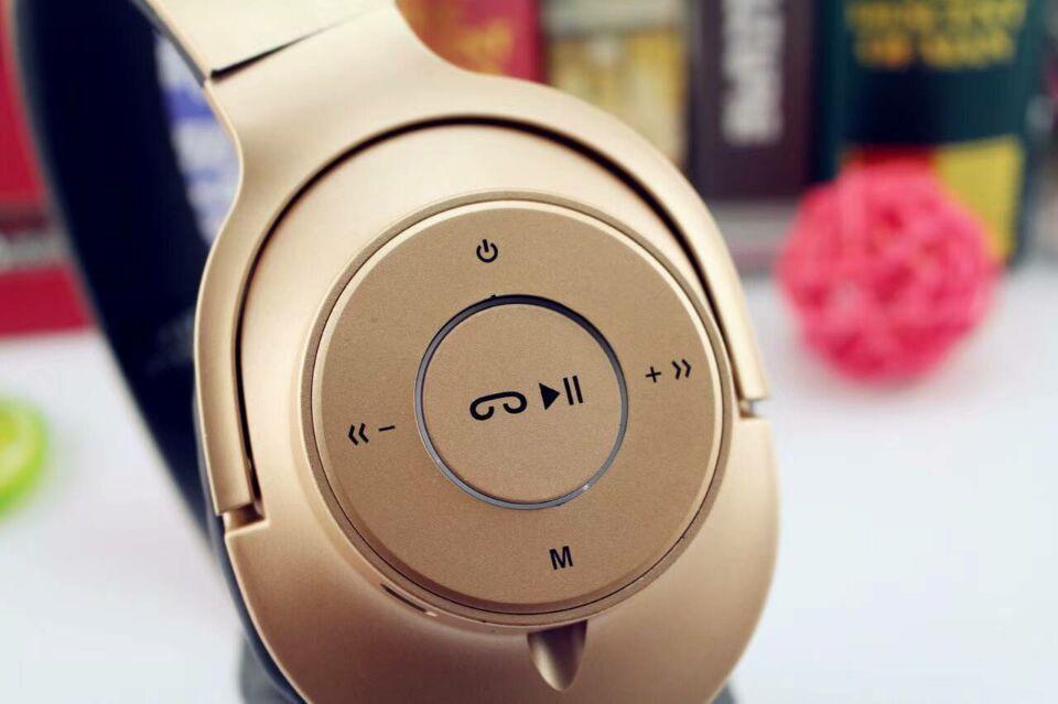 Fone De Ouvido Headphone P37 extra bass estéreo Bluetooth 4.2 + EDR  Sem Fio