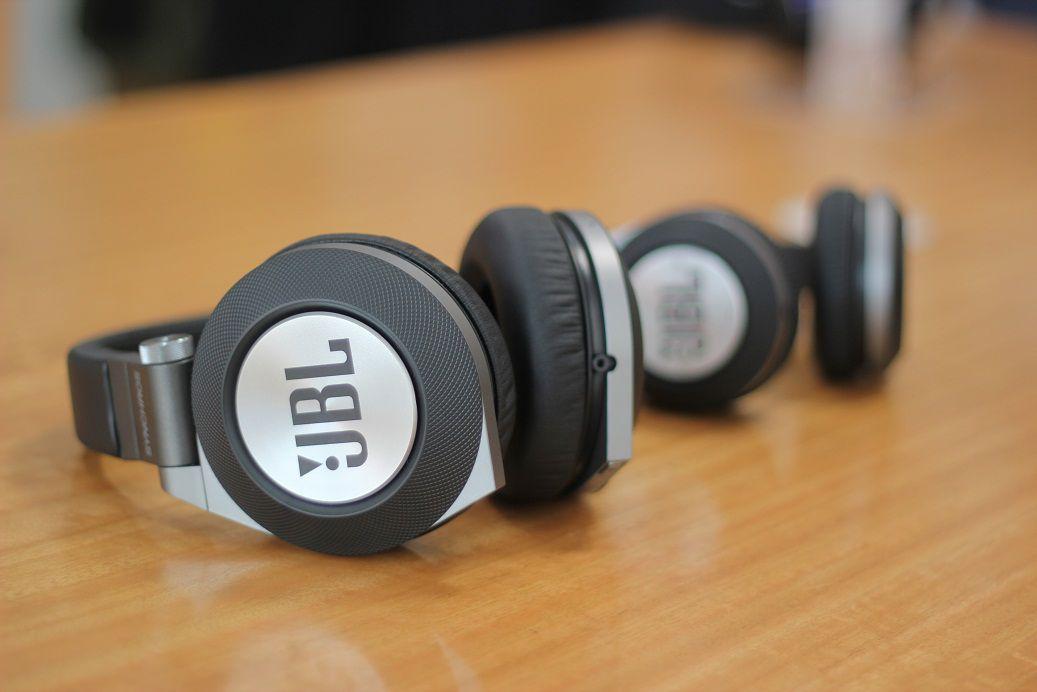 Fone jbl Bluetooth Synchros E40BT