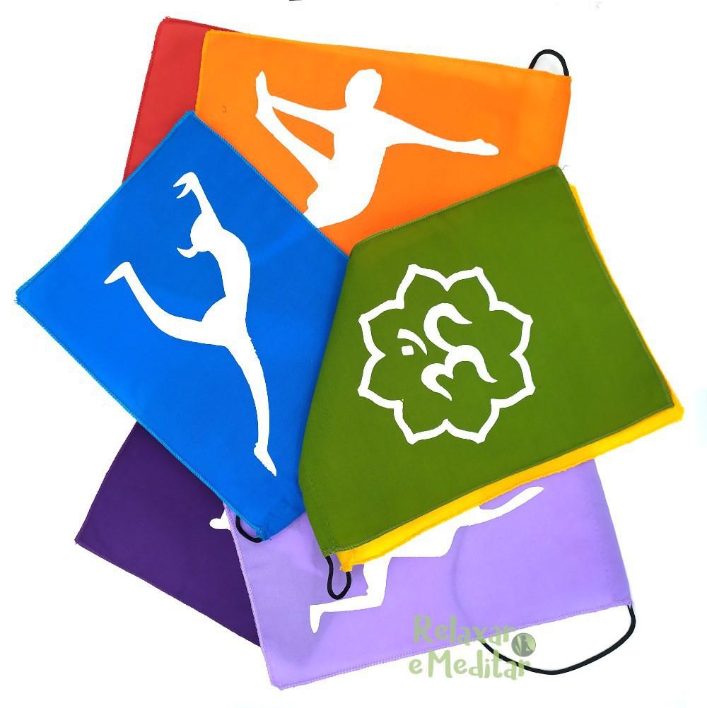 Bandeiras Coloridas Posições Yoga (Média)