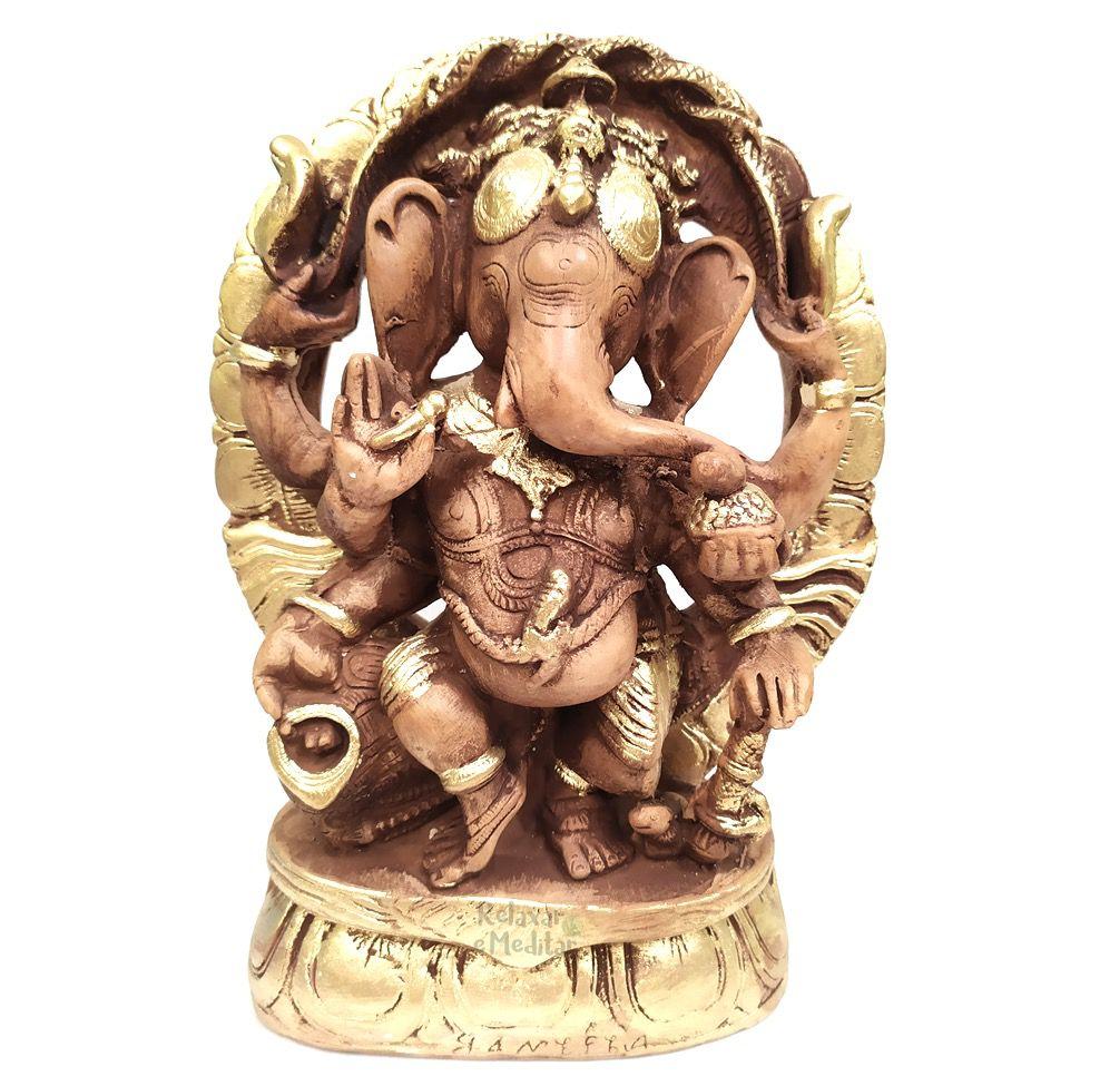 Ganesha com Arco e Pedestal Grande (Efeito Madeira)