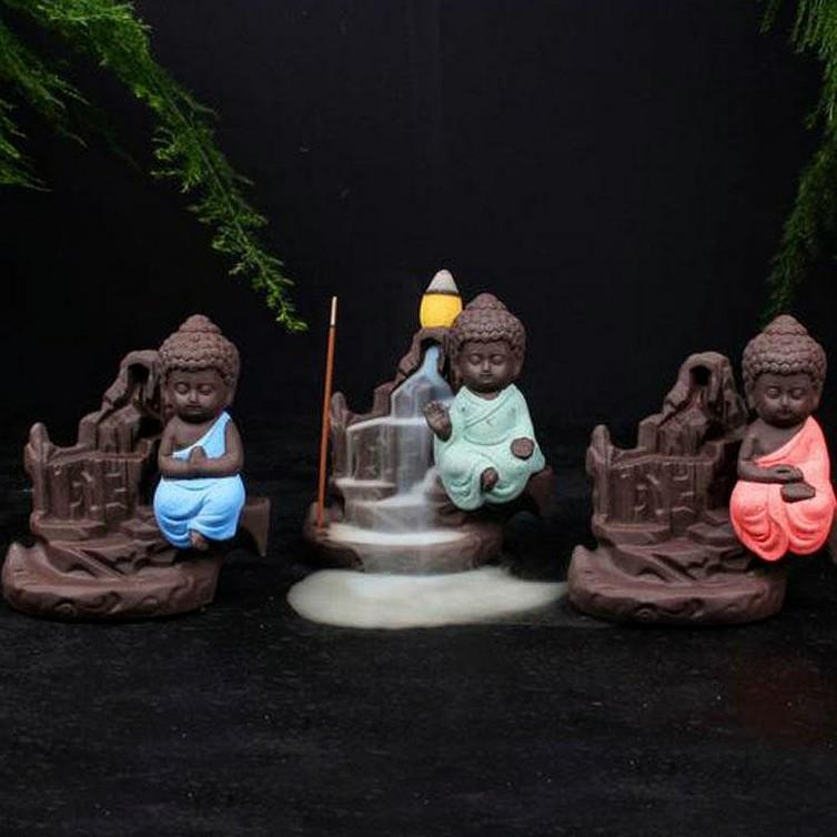 Incensário Cascata em Cerâmica com Monge da Concentração