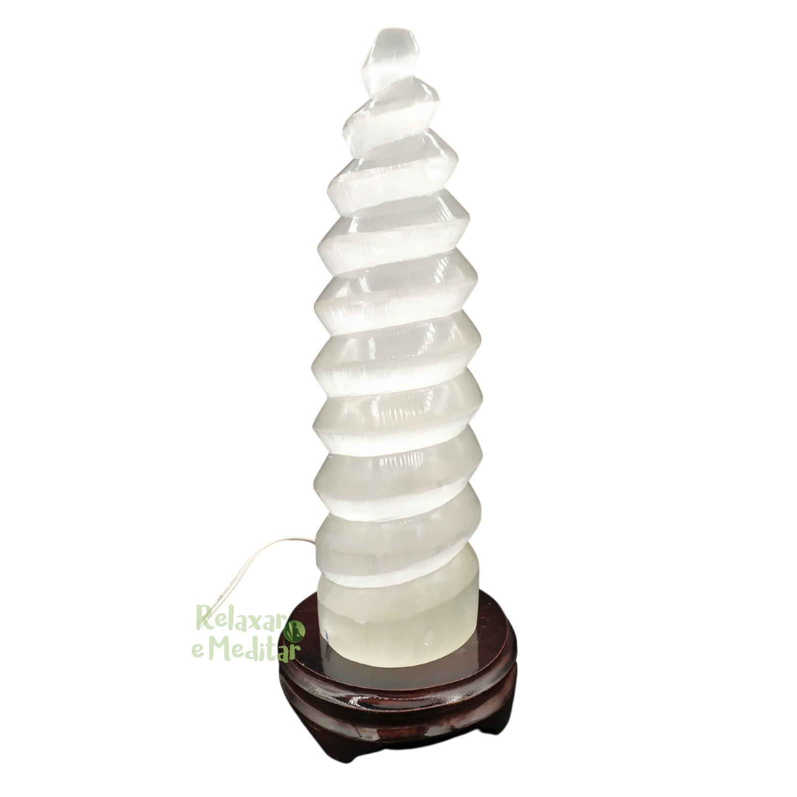Luminária de Selenita Torre Espiral (30cm)
