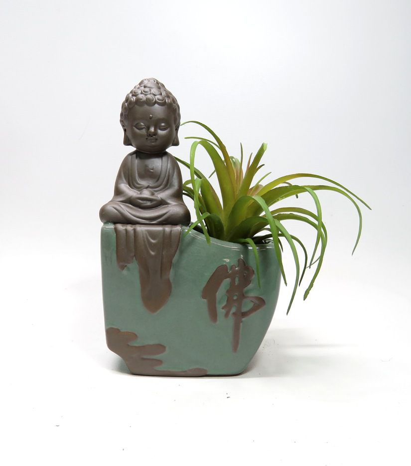 Vaso em Cerâmica com Buda Baby Meditando e Bambu da Sorte