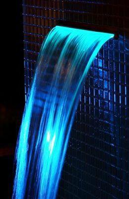 Iluminação Led Cascata para Piscina RGB 25cm - Tholz
