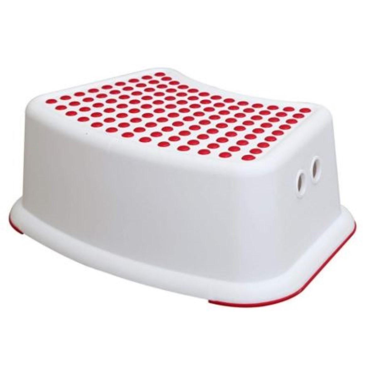 Degrau Banquinho Leve Portatil Antiderrapante Segurança Para Os Pequenos Tranquilidade Para Mamae Vermelho Buba Baby.
