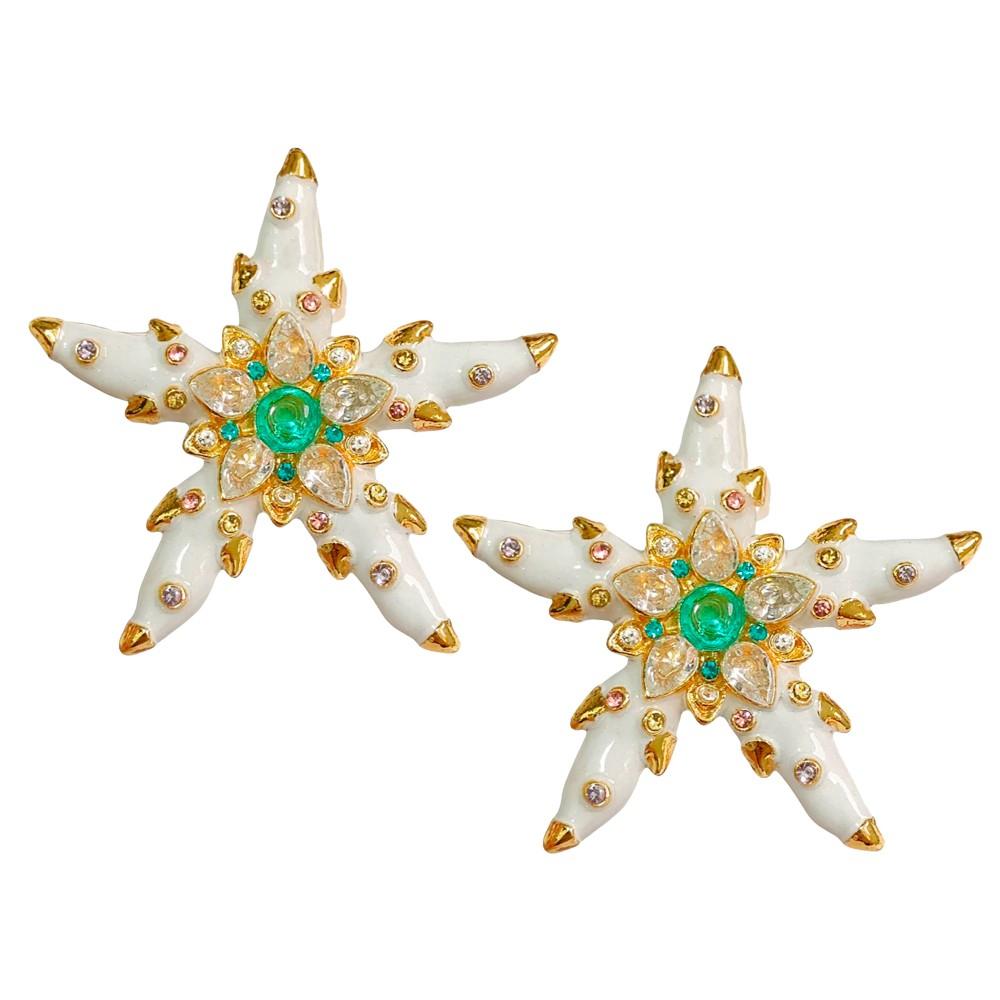 Brinco Estrela do Mar Esmaltado Cravejado Zircônias Banho Ouro 18K