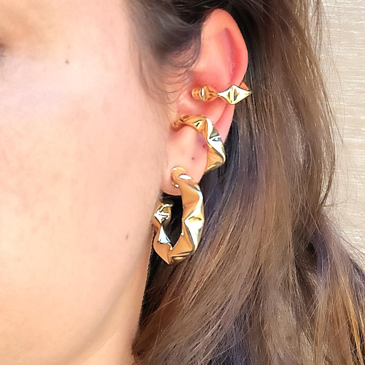 Conjunto 2 Piercing Juliette de Encaixe Torcido Dourado Banho Ouro 18K