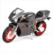 Ducati 748 - 2 Wheelers Fresh Metal - Maisto 1:18