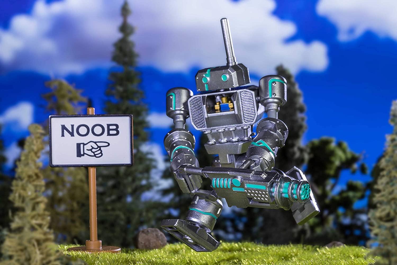 Boneco Roblox - Noob Attack com Acessórios + Código Virtual