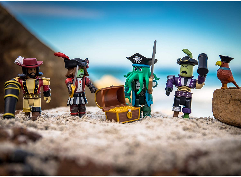 Roblox - Pack 4 Bonecos - Pirate Showdown + Código Virtual