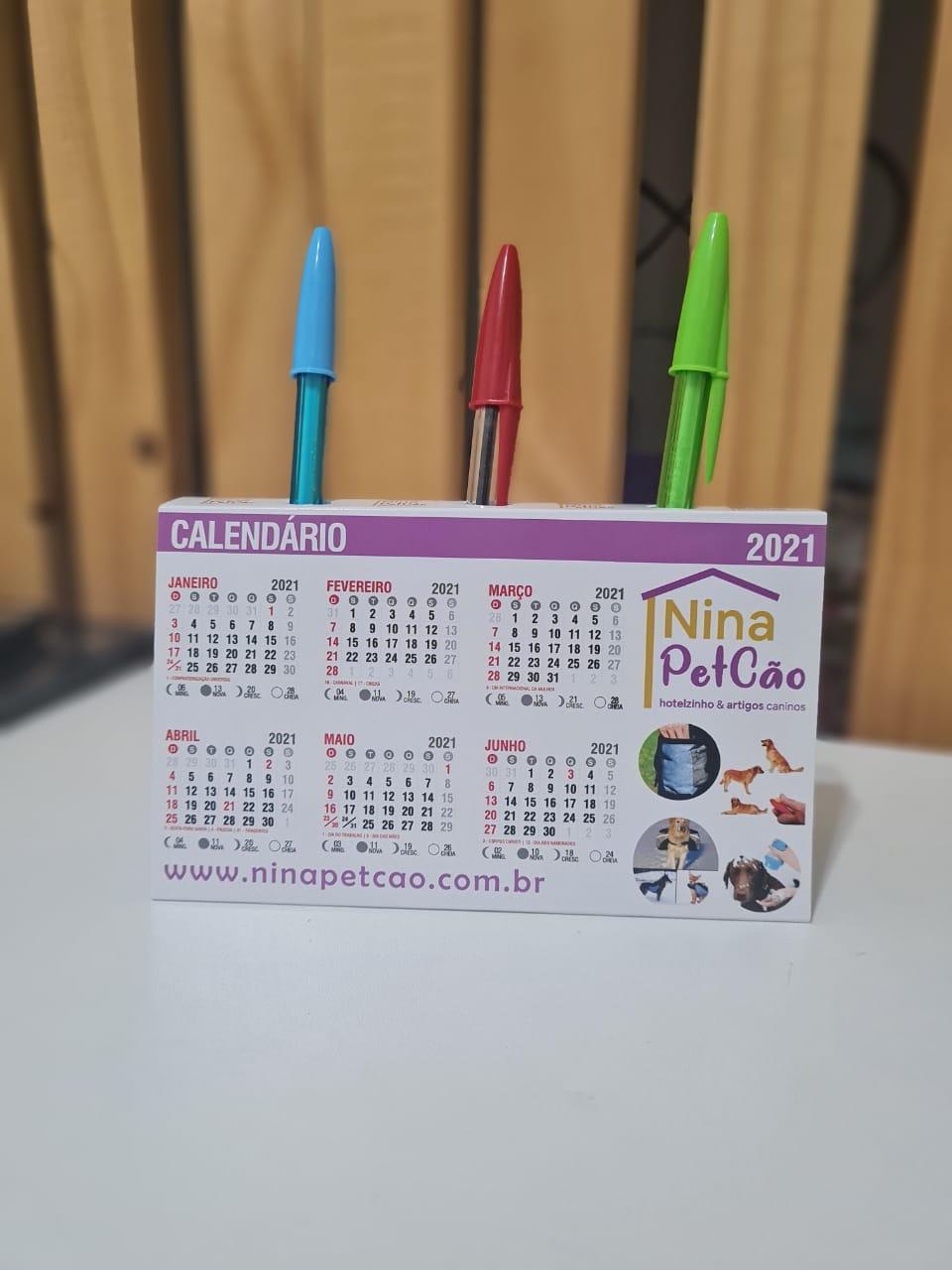 Calendário 2021 com Porta Canetas.