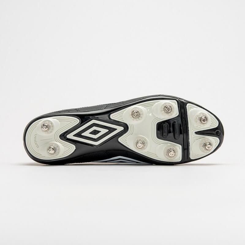 Chuteira De Campo Umbro Speciali 4 Shield 8r Trava Alumínio