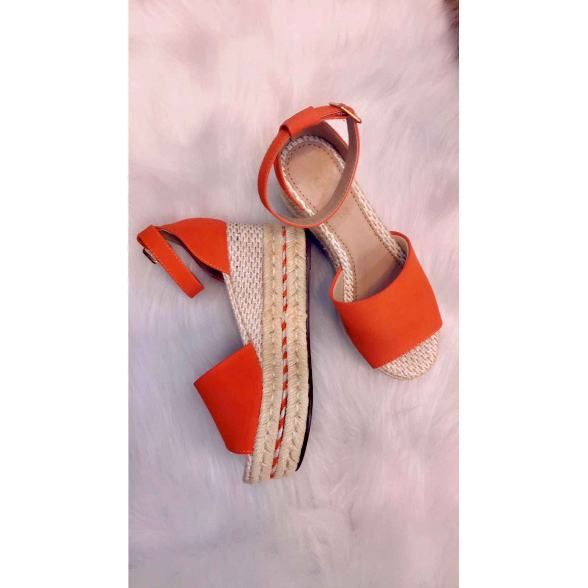 SANDÁLIA FLAT ORANGE AZILLÊ