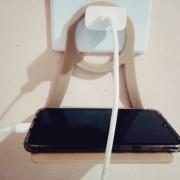 Suporte Para Carregar Celular Parede Tomada Apple Samsung