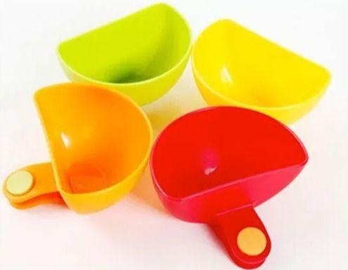 Kit Com 2 Molheiras De Plástico Com Clip 7cm
