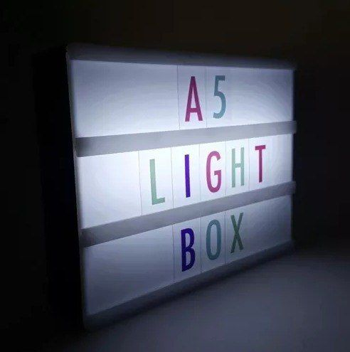 Luminária Light Box Led Cinema A5 + 85 Letras Coloridas