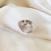 Anel Dedinho Liso Regulável Banhado em Ródio Branco