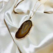 Colar Chapa de Ágata Natural Marrom Banhado em Ouro 18k