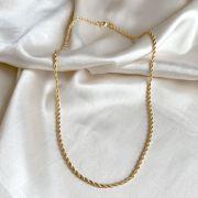 Colar Curto Corrente Torcida Banhado em Ouro 18k
