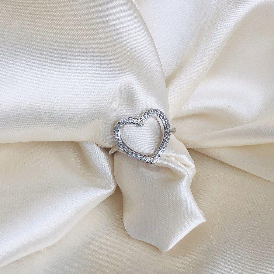 Anel Coração Cravejado em Zircônias Banhado em Ródio Branco