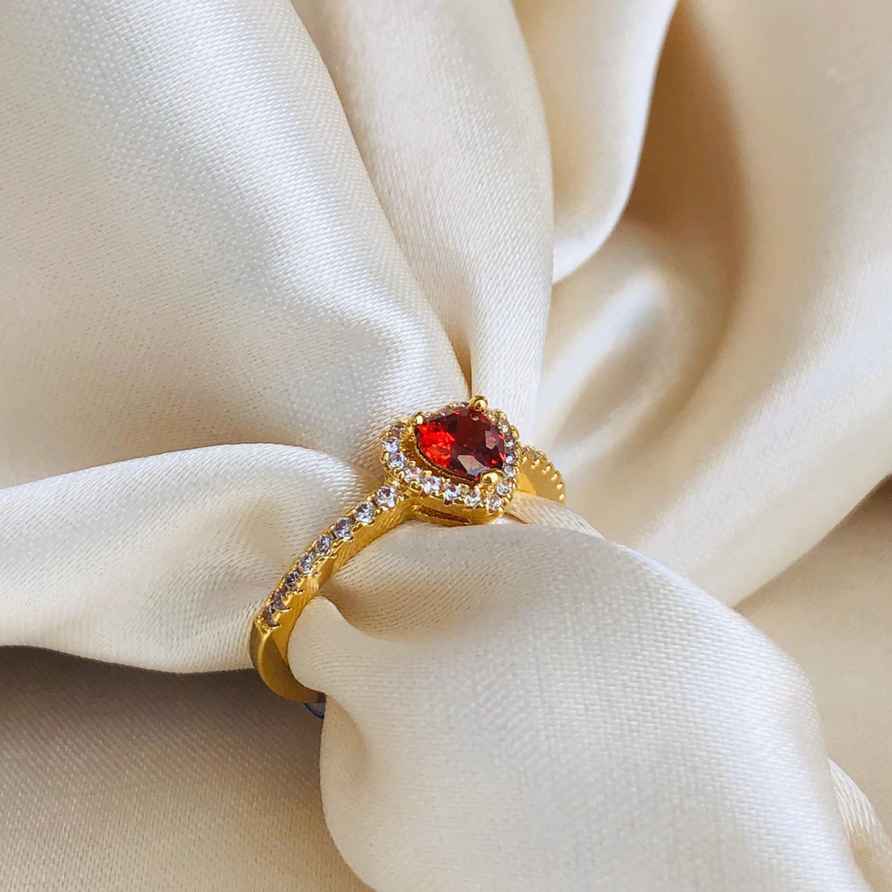 Anel Coração em Rubi Cravejado Banhado em Ouro 18k