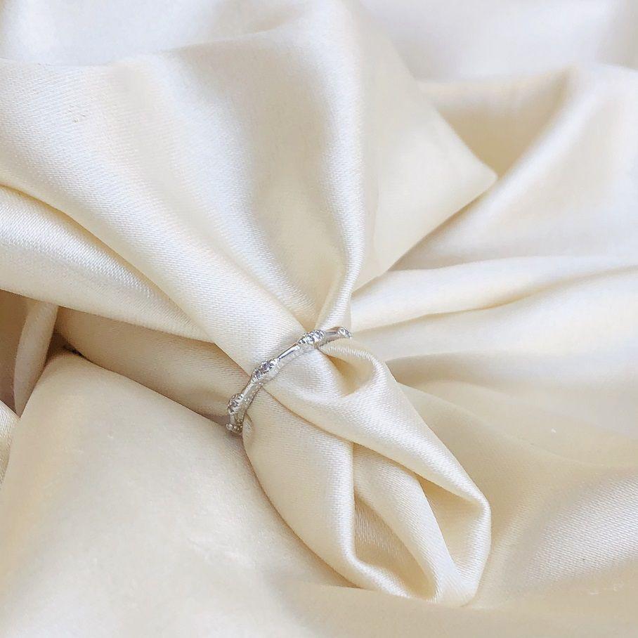 Anel de Falange Bolinhas Cravejadas Banhado em Ródio Branco