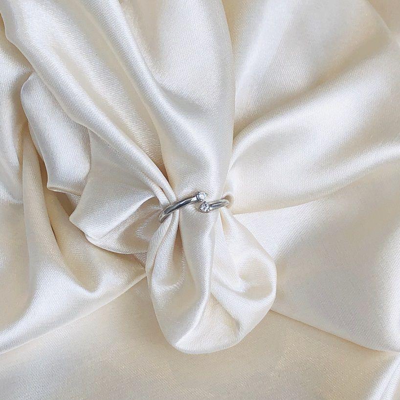 Anel de Falange com Zircônias Banhado em Ródio Branco