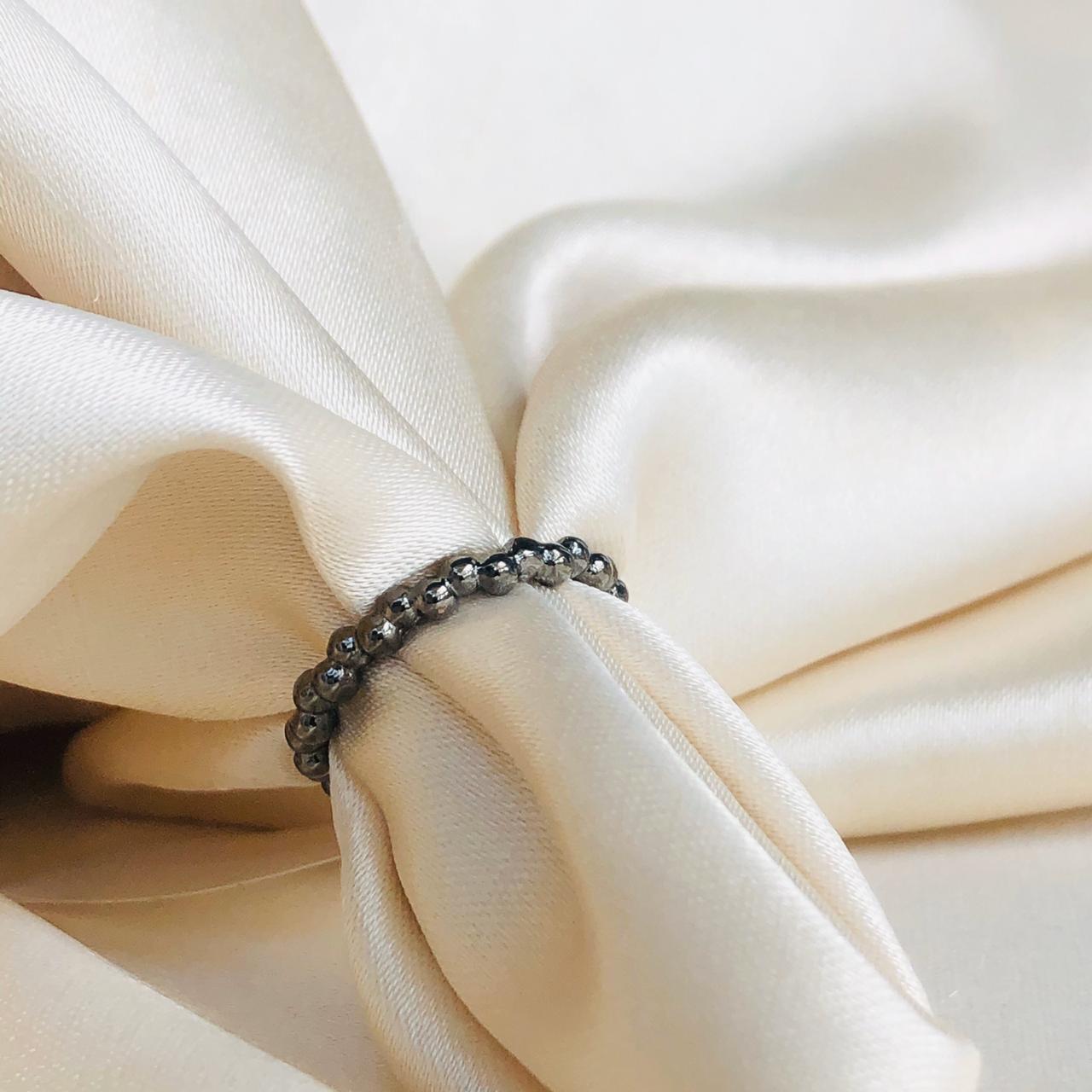 Anel de Falange Texturizado Bolinhas Banhado em Ródio Negro