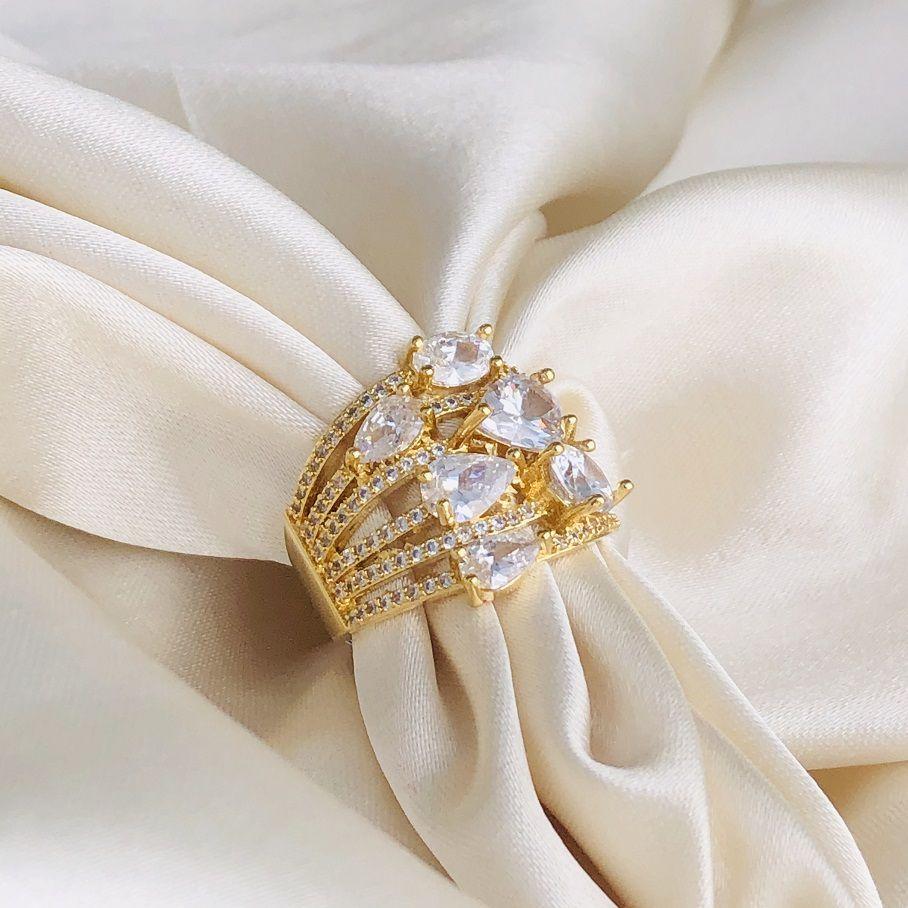 Anel Maxi com 6 Pedras Cristal Banhado em Ouro 18k