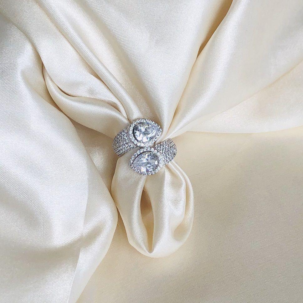 Anel Maxi Cravejado com 2 Gotas Cristal Banhado em Ródio Branco