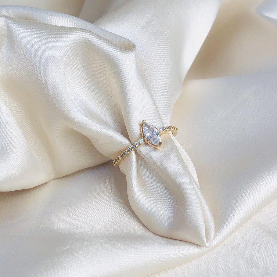 Anel Navete Cristal Cravejado Banhado em  Ouro 18k